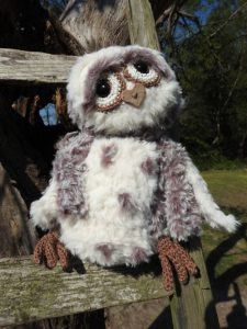 Funny Furry Owl Soft donkerbruin | Garenhuis U Keus