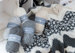 Crochet Along 2021 - Ups 'n Downs Grey Sand